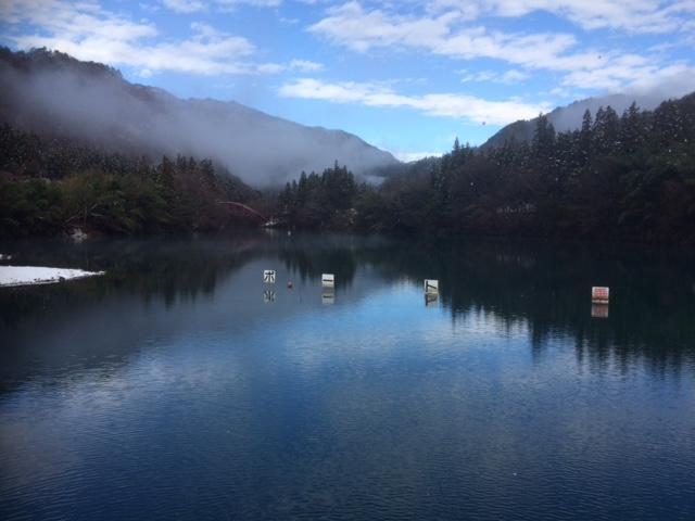 冬の四万湖